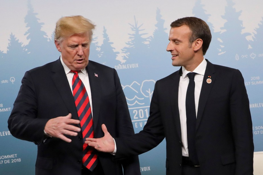 Donald Trump et Emmanuel Macron durant le G7.... (Photo archives AFP)
