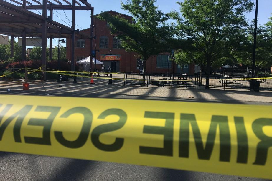 Plus d'un millier de personnes se trouvaient sur... (Photo Paige Gross, NJ.com/The Star-Ledger)