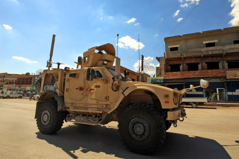 Un véhicule appartenant à la coalition dirigée par... (PHOTO AFP)