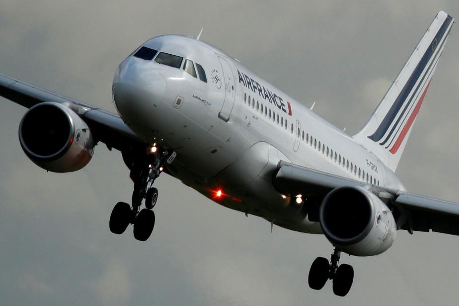 Un airbus A319-111 d'Air France.... (Photo Christian Hartmann, archives REUTERS)