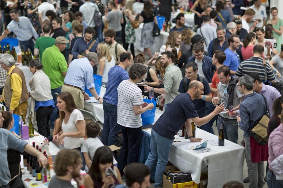 Des participants au Raw Wine London... (Photo tirée du site web de Raw Wine)