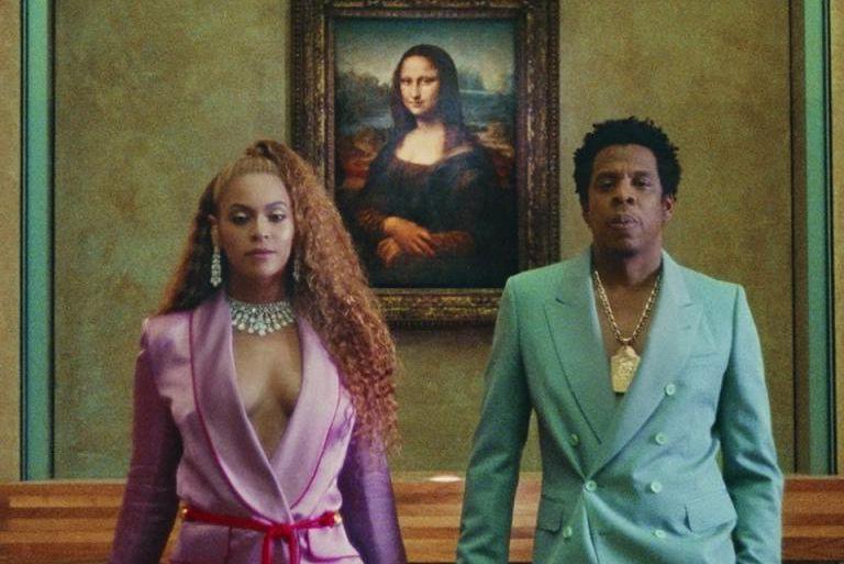 Dans leur nouveau clip Apeshit, Beyoncé et Jay-Zposent... (Image tirée du vidéoclipApeshit)