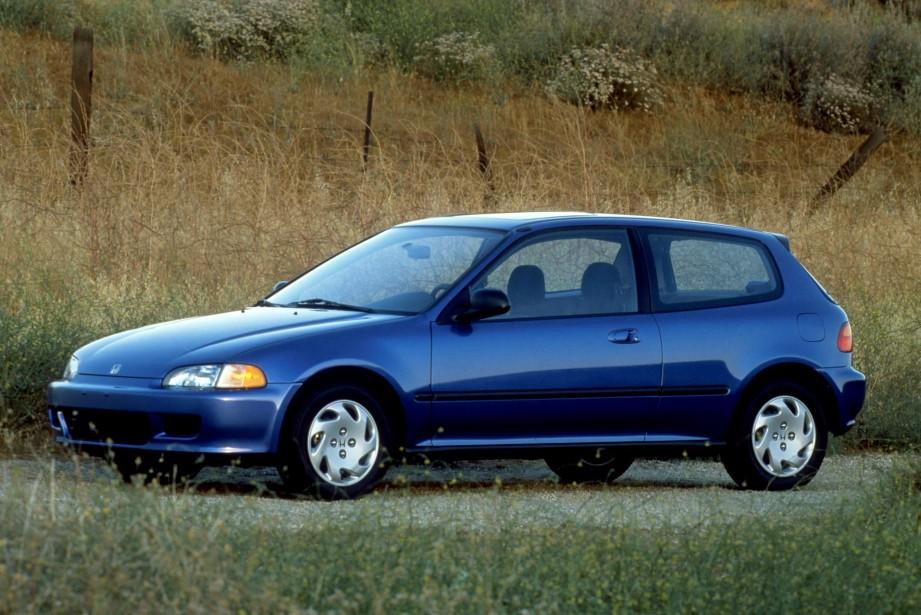 Sa première voiture neuve - La Honda Civic bleu marine 1995 flambant neuve achetée dans sa jeune vingtaine, après la signature de son premier contrat de joeur professionnel. | 19 juin 2018