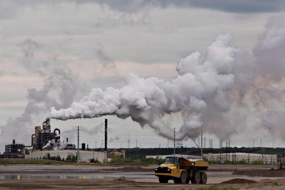 Les taxes sur le carbone visent à réduire... (PHOTO JASON FRANSON, ARCHIVES LA PRESSE CANADIENNE)