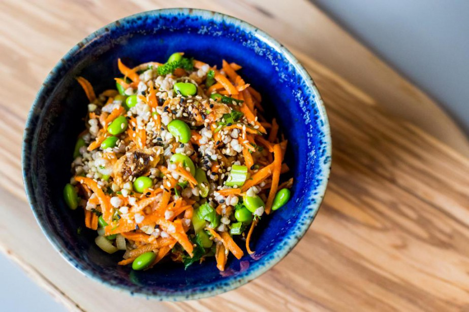 La salade de sarrasin à l'asiatique de Rose... (Photo Olivier Jean, La Presse)