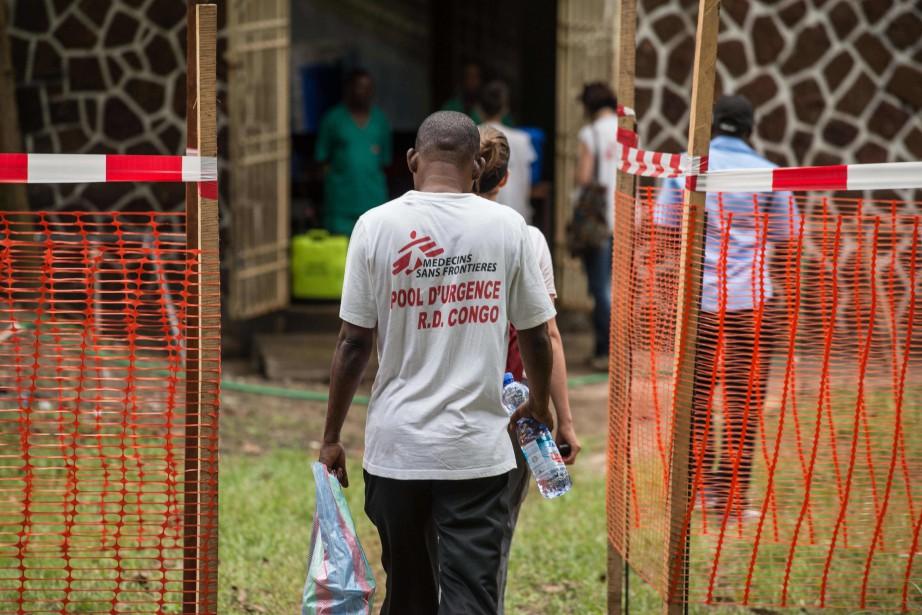 D'anciens employés de MSF ont raconté à la... (PHOTO AFP)