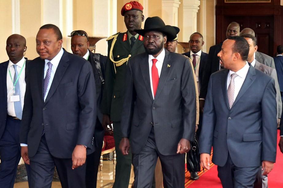 Le président du Kenya Uhuru Kenyatta, le président... (Photo Tiksa Negeri, REUTERS)