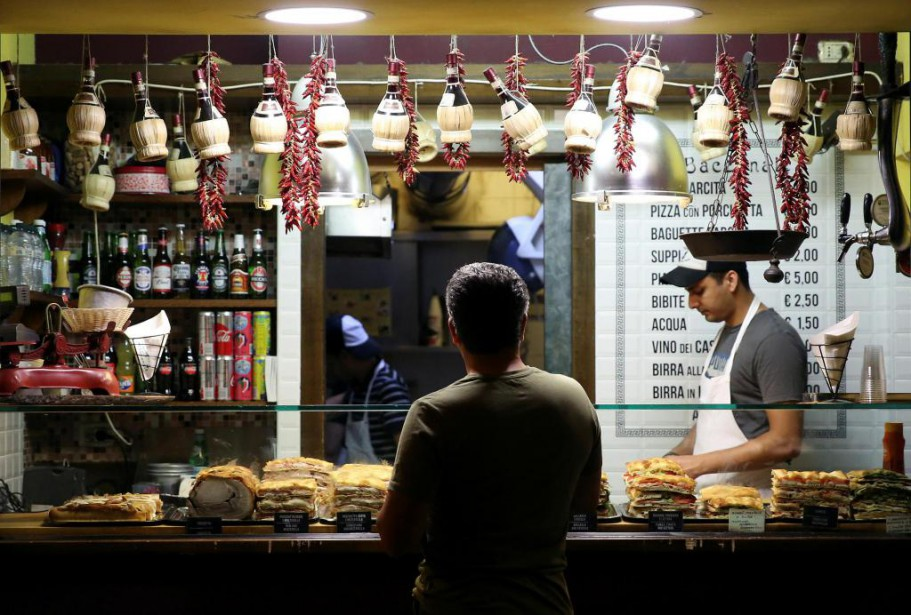 La cuisine locale est désormais le principal facteur... (PhotoStefano Rellandini, Reuters)