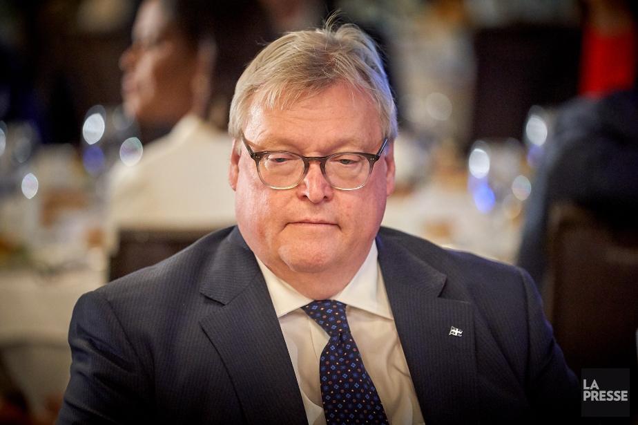 Le premier ministre Philippe Couillard n`a aucune intention d`écarter le