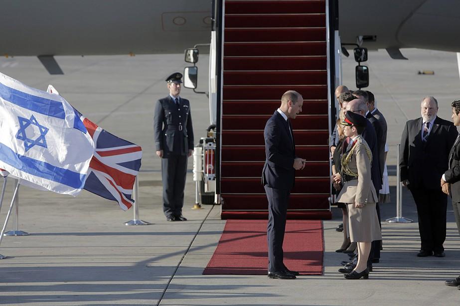 Le prince William, 36 ans, entreprend cette visite... (Sebastian Scheiner, AP)