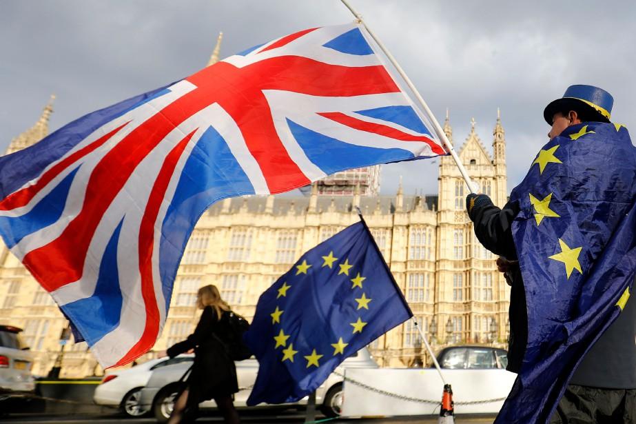 « Quand nous devrions discuter zone euro et... (PHOTO Tolga AKMEN, archives Agence FRance Presse)