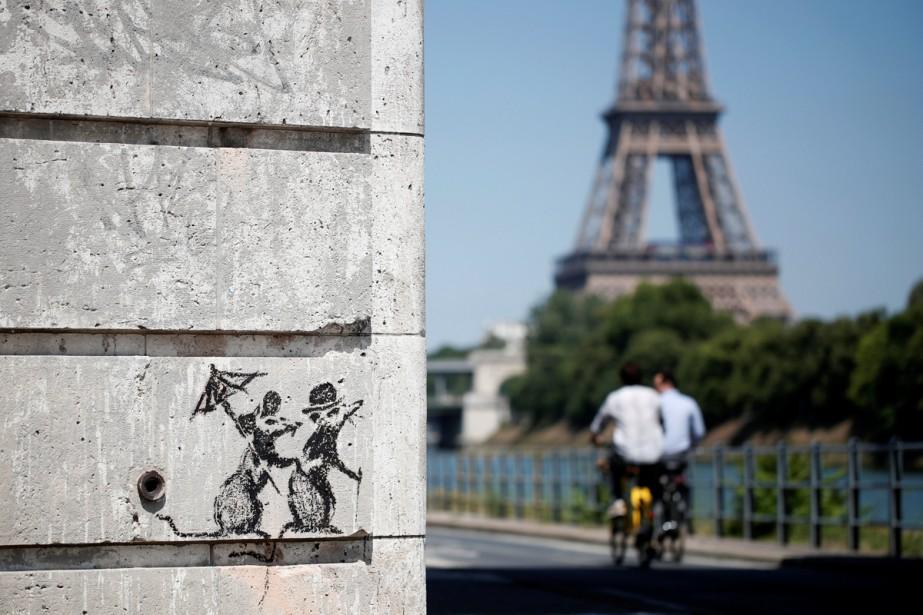 Banksy revendique un pochoir réalisé sur les quais... (Photo reuters)