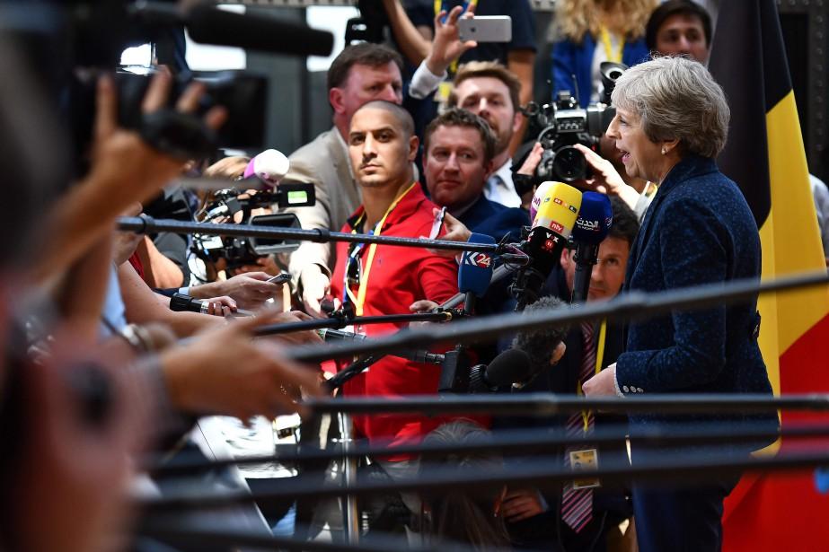 La première ministre britannique Theresa May répond aux... (Photo Ben Stansall, Agence France-Presse)