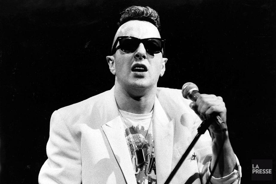 Joe Strummer lors d'un spectacle de Clash au... (PHOTO PIERRE CÔTÉ, ARCHIVES LA PRESSE)
