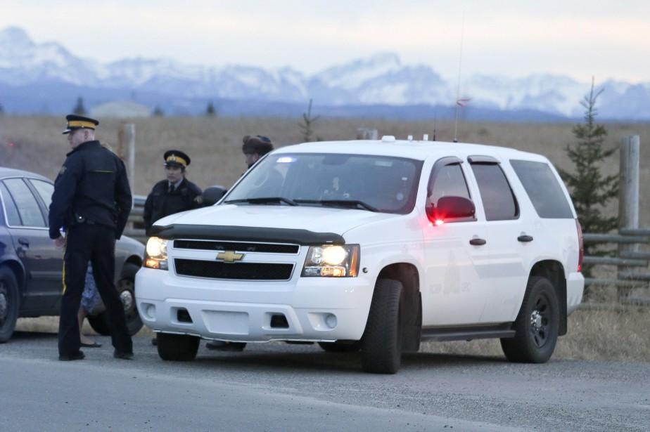 Deux adultes et trois enfants ont été retrouvés... (PHOTO ARCHIVES LA PRESSE CANADIENNE)