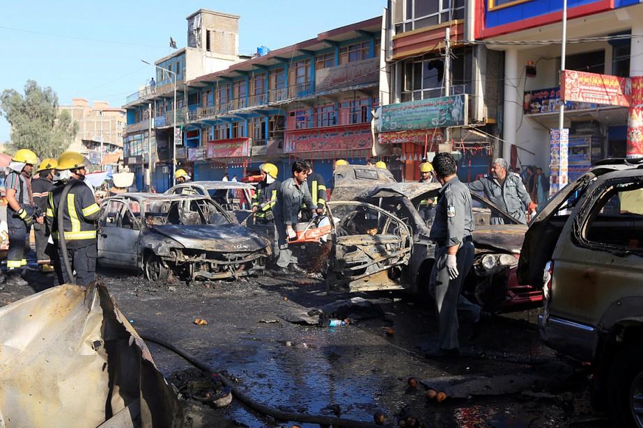 L'attentat s'est produit sur un marché de Jalalabad,... (PHOTO REUTERS)