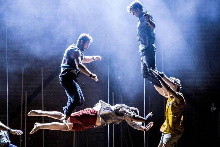 La pièce acrobatique Backbone lancera les activités du... (Photo fournie par le festival Montréal complètement cirque)
