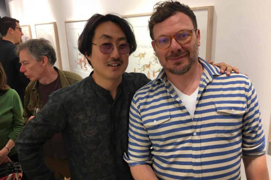Le galeriste montréalais Juno Youn (à gauche) en... (Photo fournie par la galerie Youn)