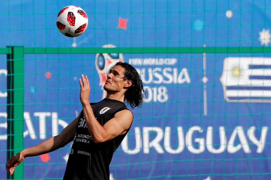 L'attaquant uruguayen Edinson Cavani... (Photo Carlos Barria, Reuters)