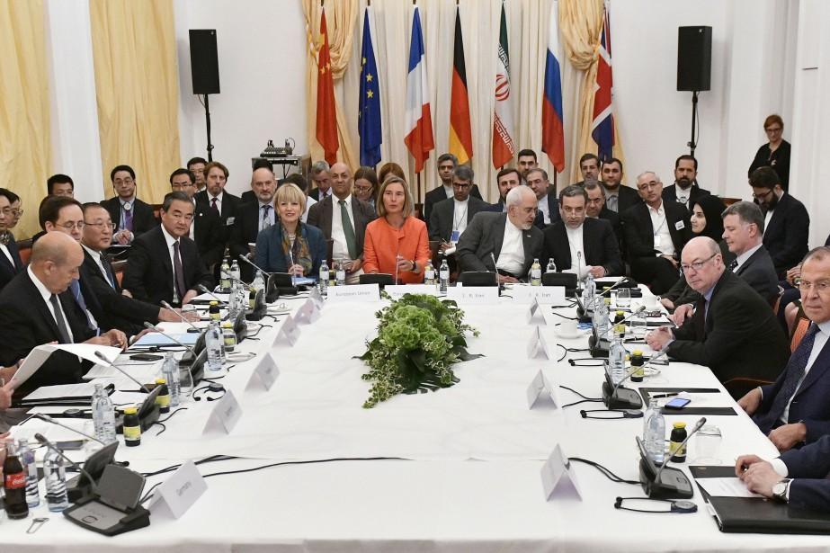 Après un peu plus deux heures de réunion... (Photo Hans Punz, AFP)
