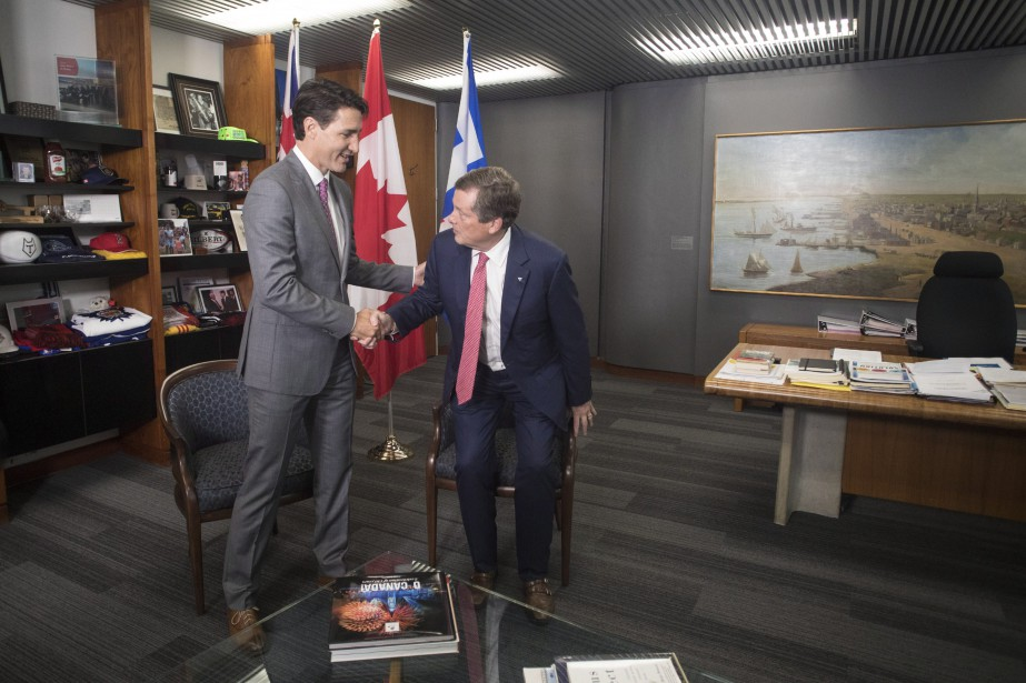 En plus de rencontrer des membres de la... (photo Chris Young, la presse canadienne)