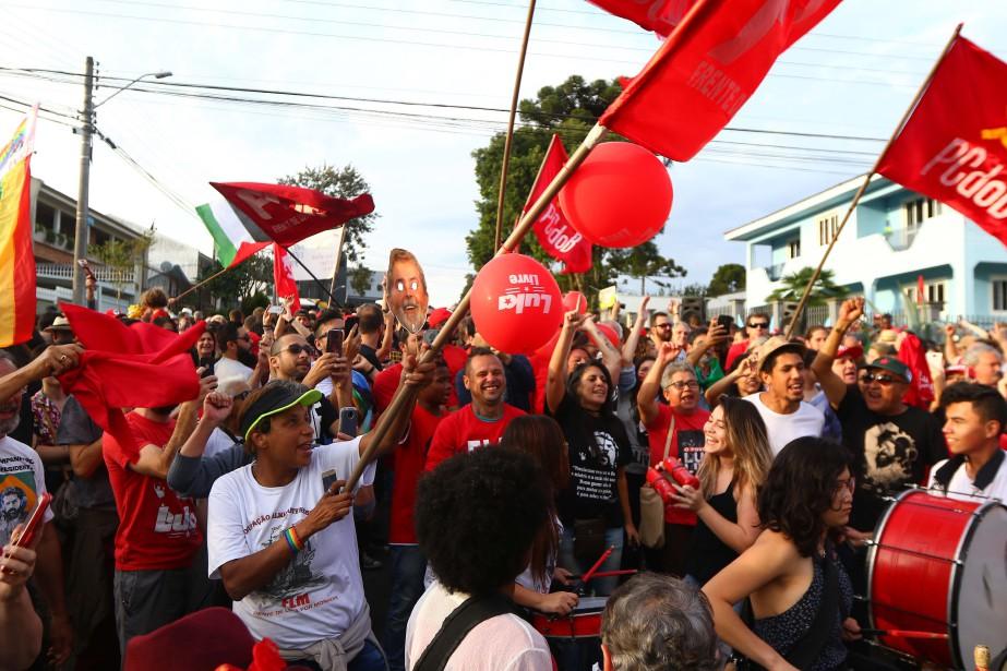 Tandis que les partisans de Lula commençaient déjà... (PHOTO AFP)