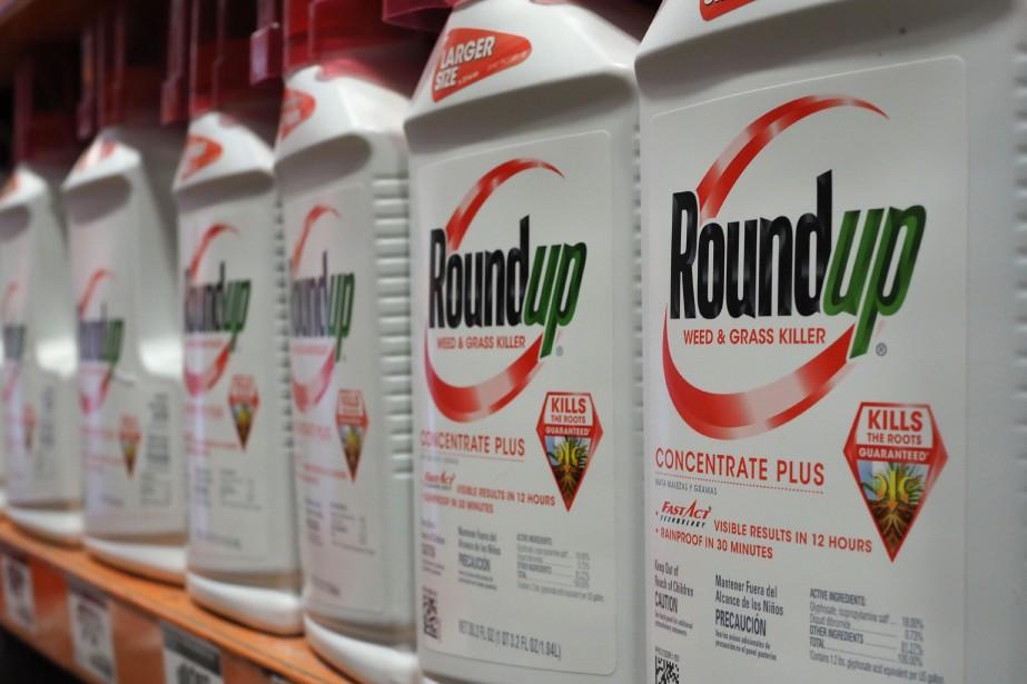 Vendu depuis plus de 40 ans, le Roundup,... (ARCHIVES AFP)