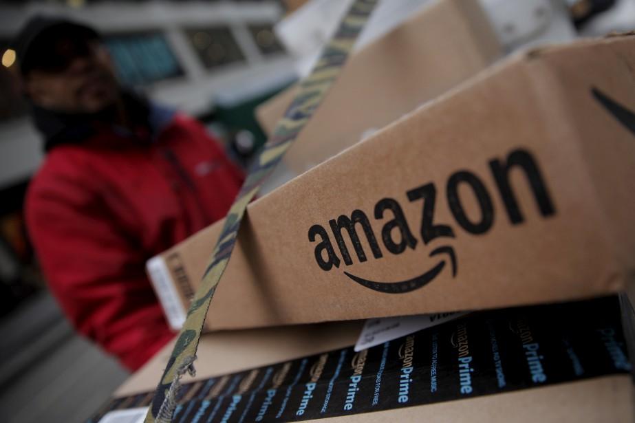 Amazon exploite sept centres de distribution au Canada.... (REUTERS)