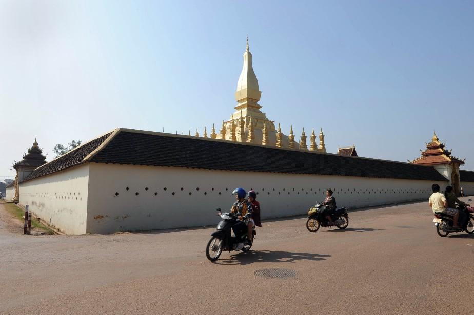 Le grand stupa doré de Vientianeest l'emblème du... (ARCHIVES AFP)