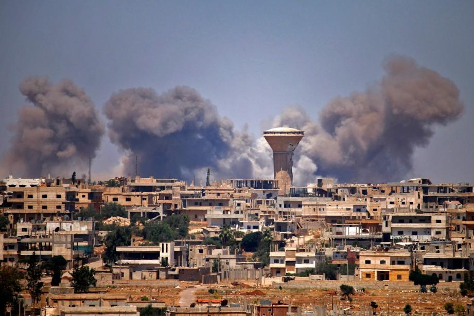 Les tirs de missiles auraient touché des positions... (ARCHIVES AFP)