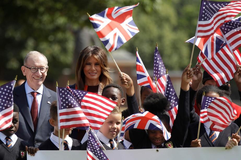 Philip May et Melania Trump ont été encouragésà... (photo Luca Bruno, Agence france-presse)