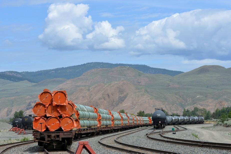 Ottawa a acheté l'oléoduc Trans Mountain en mai... (PHOTO ARCHIVES REUTERS)