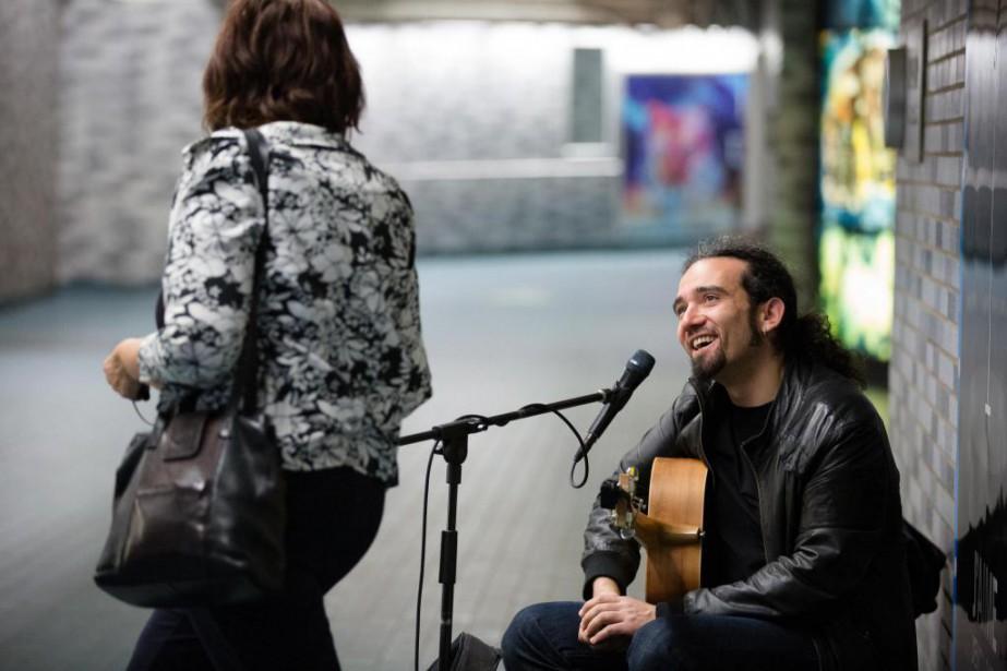 Clément Courtois au métro Place-des-Arts, en 2016. Le... (PHOTO archives LA PRESSE)