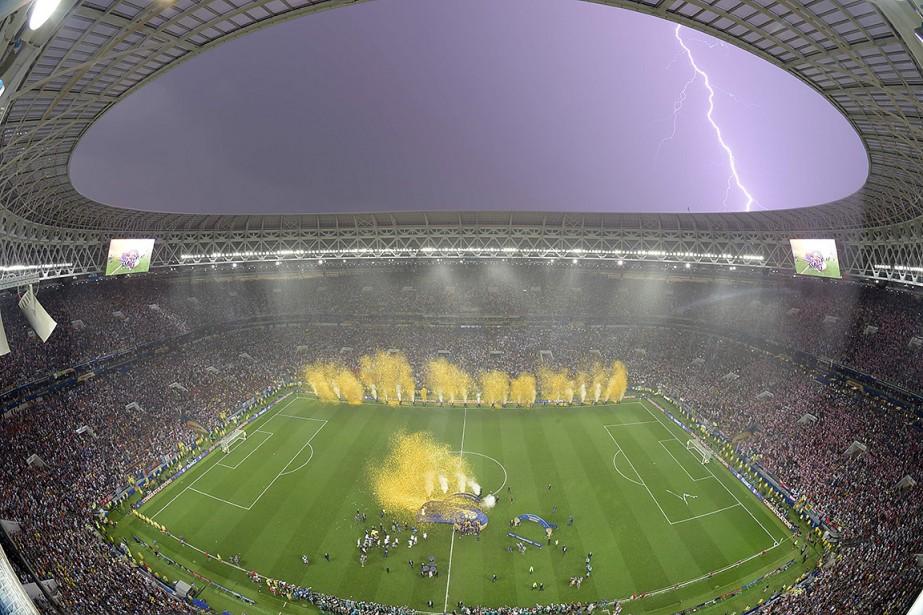 Les joueurs français ont célébré leur victoire contre... (Franois-Xavier MARIT, AFP)