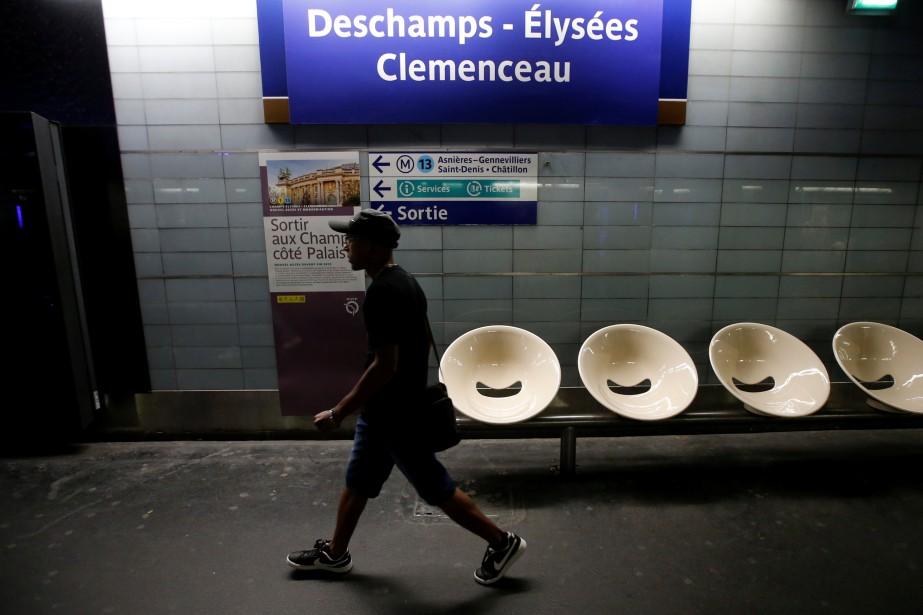 La station de métro parisienne Champs-Élysées - Clemenceau... (photo Jean-Paul Pelissier, REUTERS)