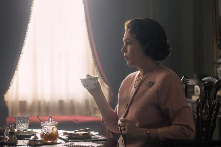 Olivia Colman sera la reine Élisabeth II dans... (Photo fournie par Netflix)