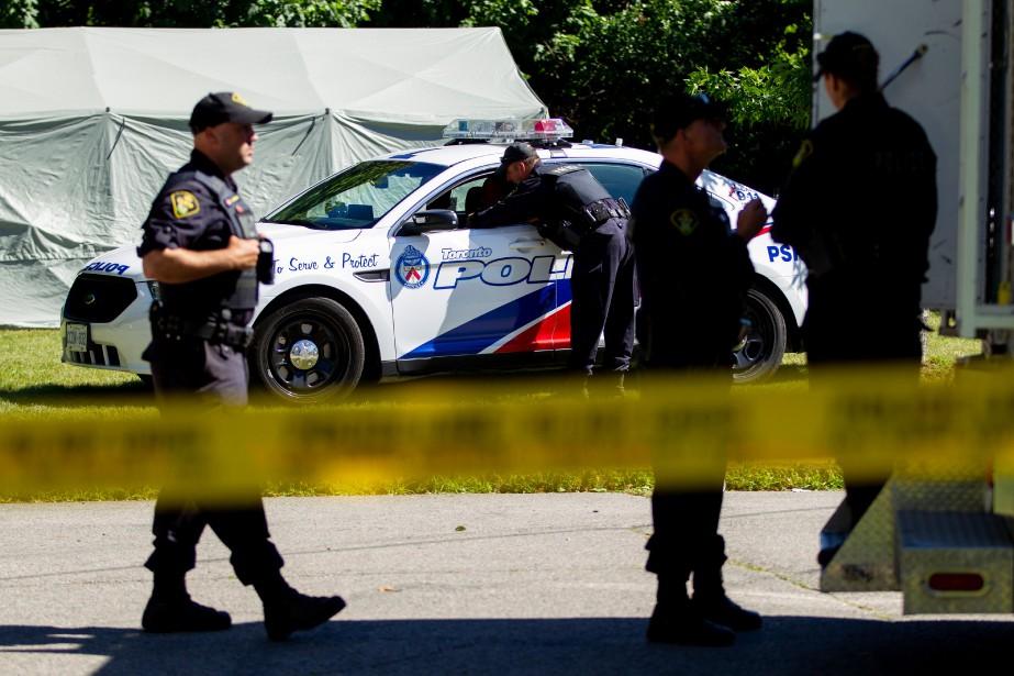 Les policiers ont notamment retrouvé des dents et... (PHOTO AFP)