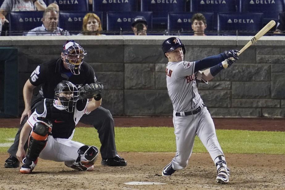 Alex Bregman, des Astros de Houston, a frappé... (Photo Carolyn Kaster, Associated Press)