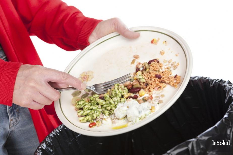 63 % des aliments jetés par les Canadiens... (Photothèque Le Soleil)