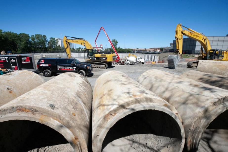 Le chantier du complexe aquatique, à Laval.... (Photo DavidBoily, La Presse)