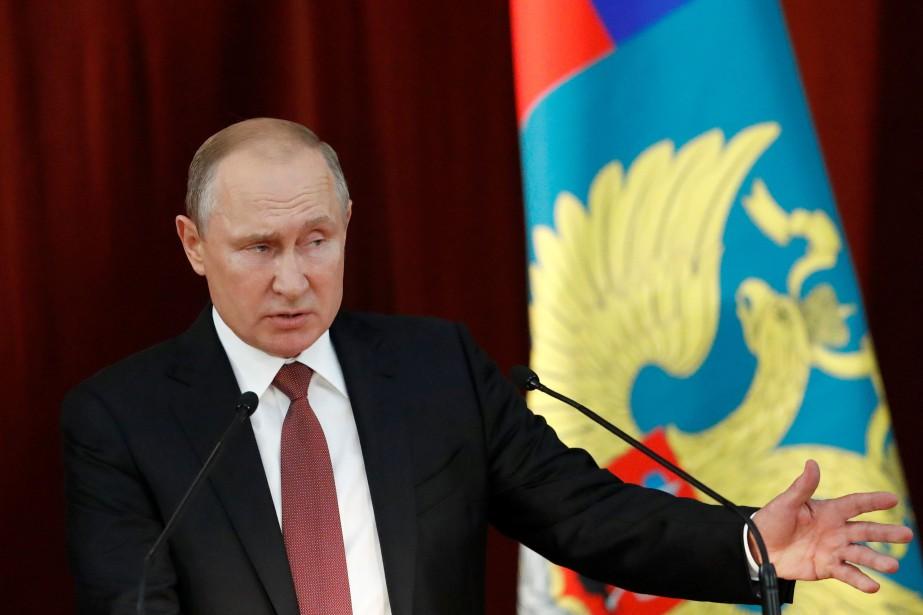 Vladimir Poutine s'adresse auxambassadeurs de la Russie réunis... (REUTERS)