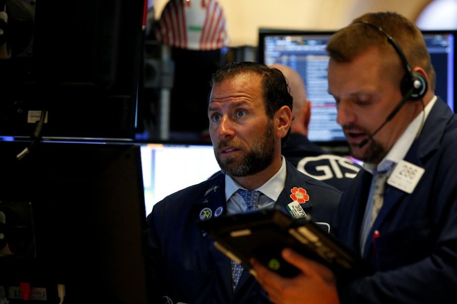 La Bourse de New York a terminé dans le rouge jeudi dans un marché... (REUTERS)