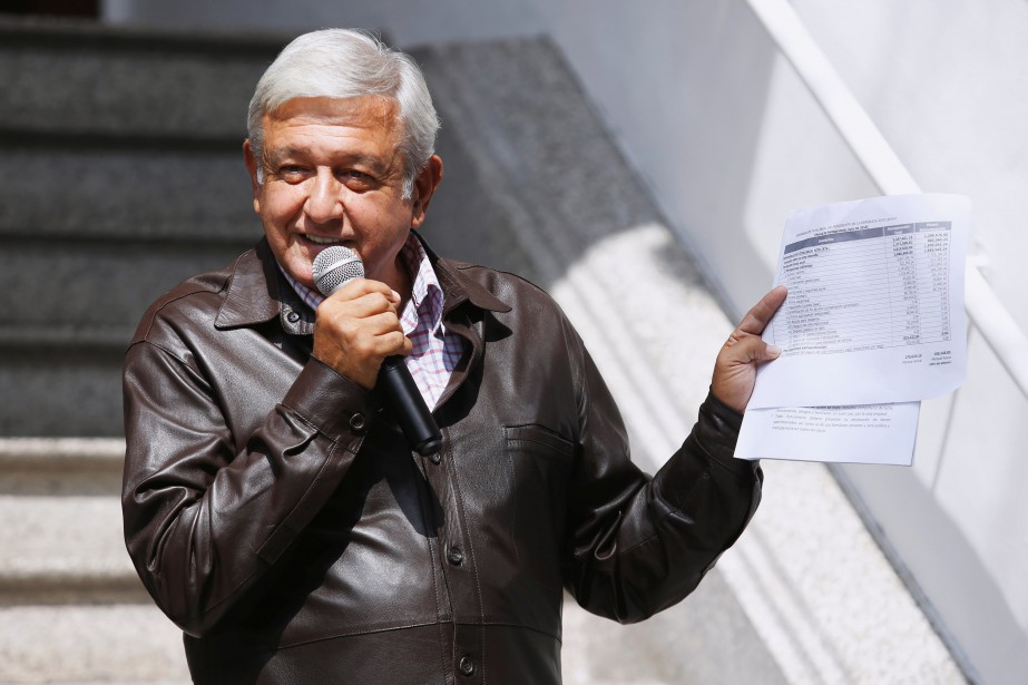 Andres Manuel Lopez Obrador... (PHOTO REUTERS)