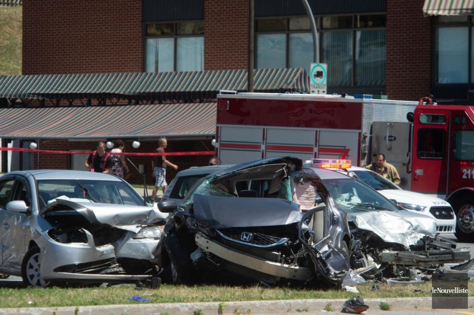 Le véhicule fuyard serait entré en collision avec... (Photo Stéphane Lessard, Le Nouvelliste)