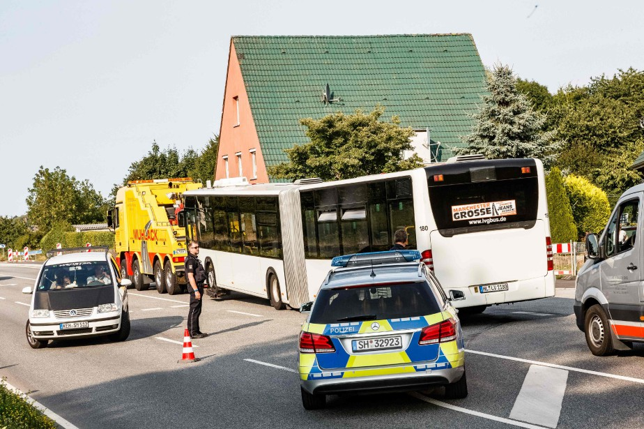 L'assaillant a pu être maîtrisé et se trouve... (PHOTO Markus Scholz, AFP/AGENCE DPA)