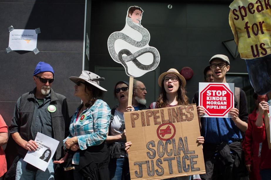 Les manifestants anti-oléoduc, qui ont érigé un campement à Burnaby,