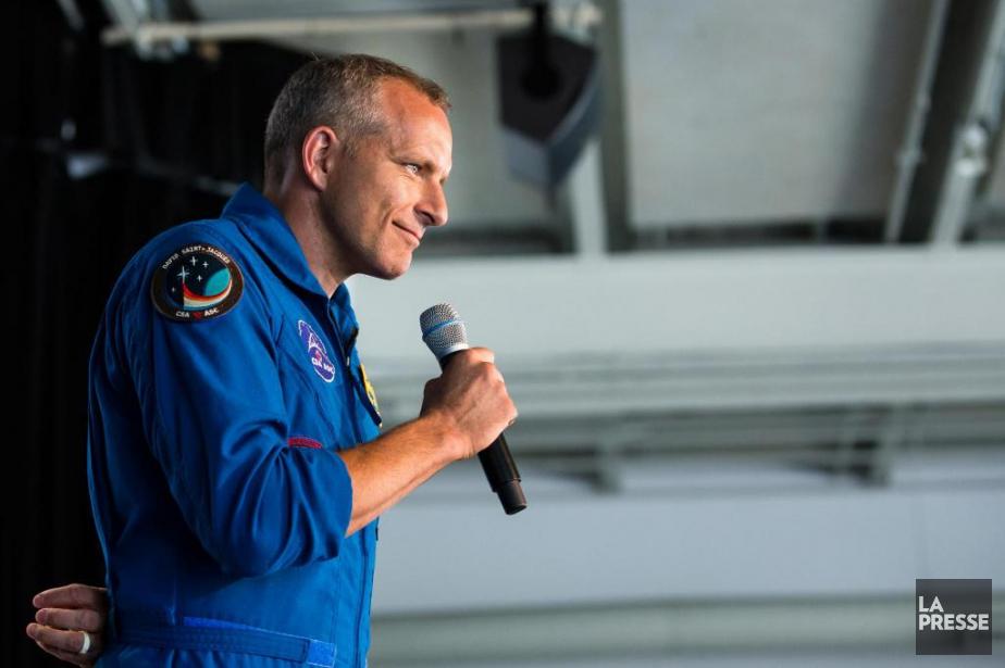 L'astronaute québécois DavidSaint-Jacques s'est adressé à la foule... (Photo EdouardPlante-Fréchette, La Presse)