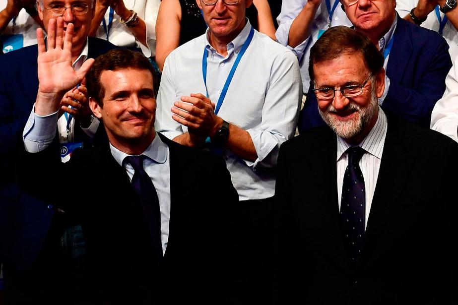 Le député Pablo Casado (à gauche) a été... (PHOTO PIERRE-PHILIPPE MARCOU, AGENCE FRANCE-PRESSE)
