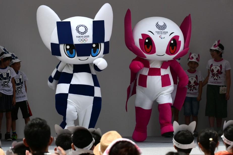 La mascotte des JO habillée de motifs en... (Kazuhiro Nogi)