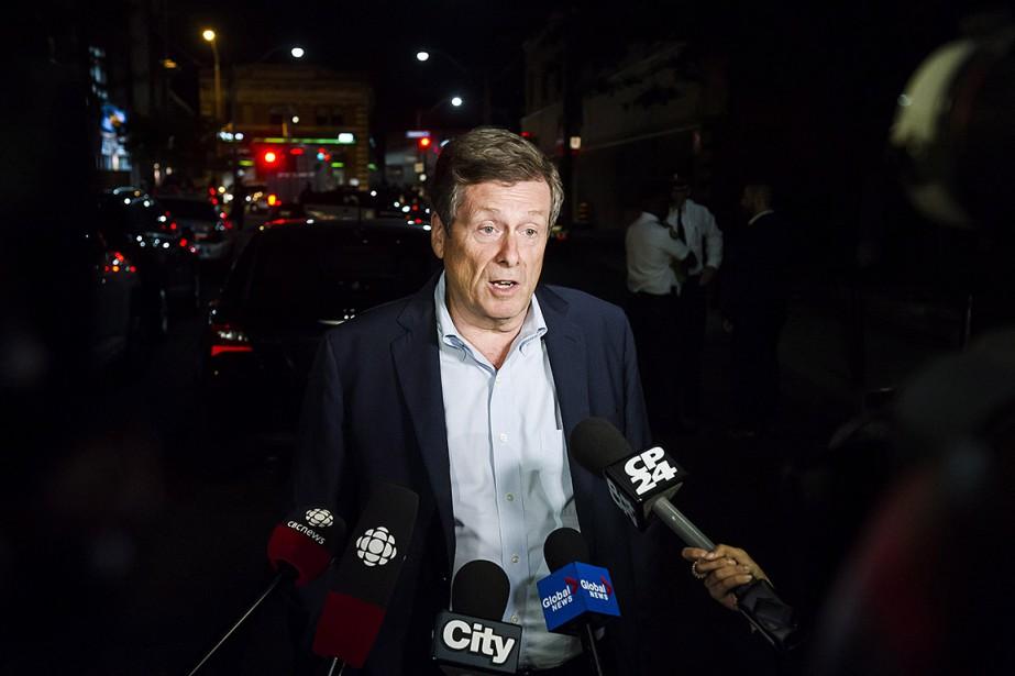 Le maire de Toronto, John Tory, s'est rendu... (Christopher Katsarov, archives PC)